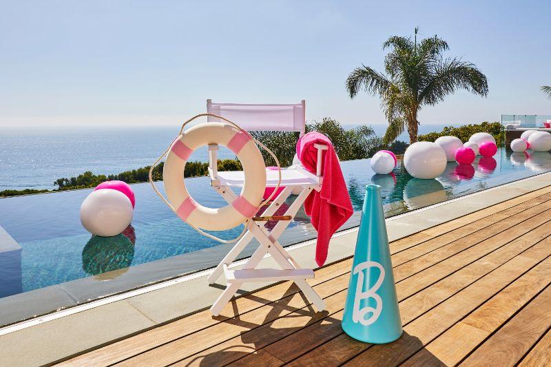 Airbnb Barbie